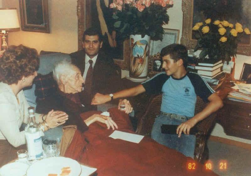 Dimitris Sgouros Biography photos